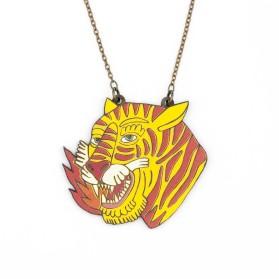 Collar de tigre llama
